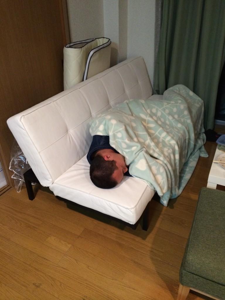 ヒッチハウス27日目:ソファで寝る
